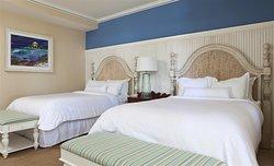 Three-Bedroom Cottage – Two Queen Beds