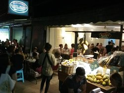 Happy night at Happy Mango Thai Restaurant.