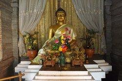離れの仏像