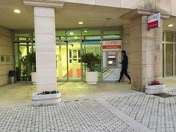 バスの停まる側の出入口と反対側の出入口