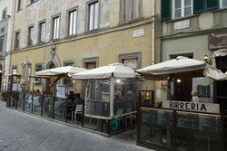 Pindsvinets meget lille udendørs restaurant