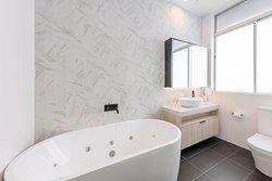 3 Bedroom Cityside Penthouse - Second Bathroom