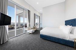 3 Bedroom Cityside Penthouse - Master Bedroom