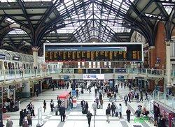 利物浦街车站