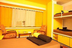 mixed accommodation for 4 people (2 bunker beds + 2 single beds ) at the hosteller jaipur.