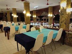 открытый уютный ресторан