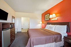 1 King Bed Efficiency Room