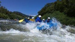 rapidos del rio Trancura Bajo en pucon