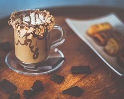 Nutella Latte - Nutella, cafecito, milk, waffle bits