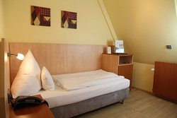 Single room  TOP Hotel Amberger Wuerzburg