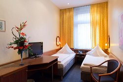 Twin bed room  TOP Hotel Amberger Wuerzburg