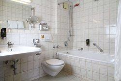 Bathroom Junior suite TOP Hotel Amb