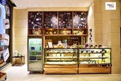 Confectioner Pride Plaza Hotel Aerocity