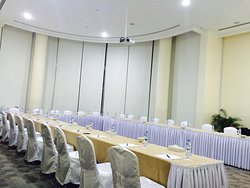The Summit Meeting Room
