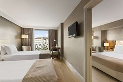 Adjoining 2 Twin Bed Room
