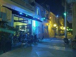 Laika Bar-Resto