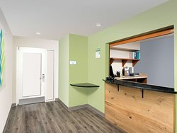 WoodSpring Suites Fayetteville Univ. of Arkansas In Suite Kitchen