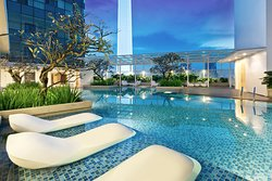Oasia Suites KL - Swimming Pool (Night View)