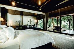 Grand Ocean Villa bedroom