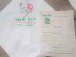 Refeição leve mais refrigerante, por cerca de R$ 20,00.