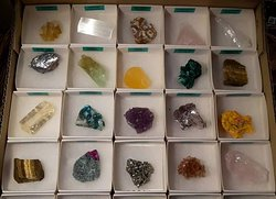 Natural mineral boxes