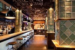 City Hall Italian Bar & Bistro