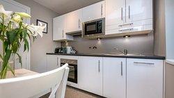 Ground floor Studio fully fitted kitchen