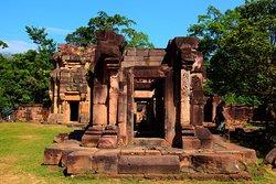 "Prasat Ta Muen Thom (Thai: ปราสาทตาเหมือนธม)''', GPS: 14.349201 N, 103.266695 E (14°20'57.1""N 103°16'00.1""E), km 11 + 600 m, Route 2407"