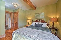 West Wing bedroom with queen bed