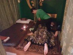 Back massage for 1 hour