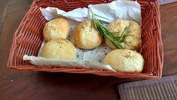 Cesta de pães caseiros
