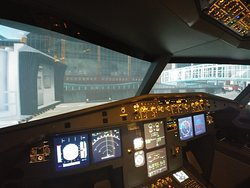 Flight Sim Cockpits - Discovery Flight Center