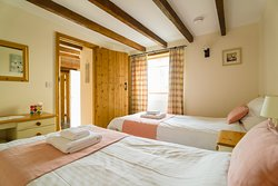 Chy-an-Oula Self Catering Cottage - Twin bedroom