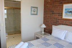 Main Bedroom & En-suite U/24