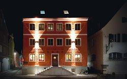 Stadthotel & Restaurant Kachelofen am historischen Marktplatz
