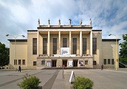 Dům kultury Ostrava, kde sídlí Janáčkova filharmonie.