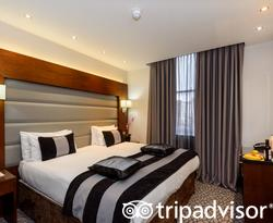 The Club Double Room at the Park Grand Paddington Court
