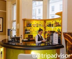 bar at the Park Grand Paddington Court