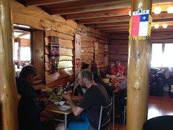 Un oasis en la ruta 7, sabrosa comida, cervezas artesanales y a la carta, para todos los gustos