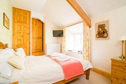Farmhouse Bed & Breakfast - Room 5