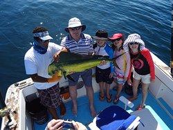 Family mahi mahi fishing