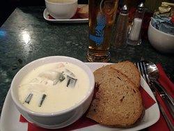 Whiski Bar & Restaurant