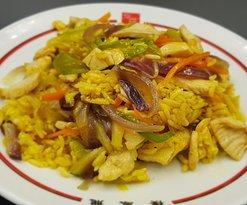 Arroz con verduras, pollo y salsa de curry 🍚🍗🥕