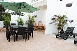 Contamos con una terraza en el tercer piso del edificio, ¡ven y disfruta de la mejor vista!