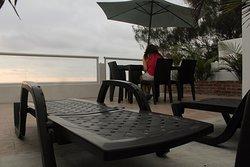 Y en la terraza del tercer piso, ademas, puedes disfrutar de una de nuestras sillas reclinables!