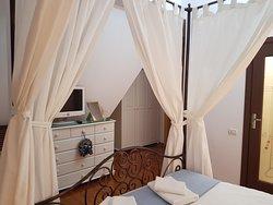 Istanbul Room- 50 euro!