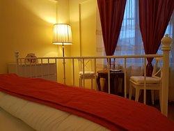 Rome Room- 50 euro!