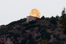 Πανσέληνος (Εκκλησία Άγιος Κωνσταντίνος) Full moon (Agios Konstantinos church)