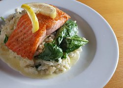 Pan-fried Steelhead with risotto and spinach