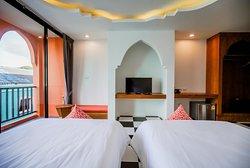 Deluxe Suite Twin Room